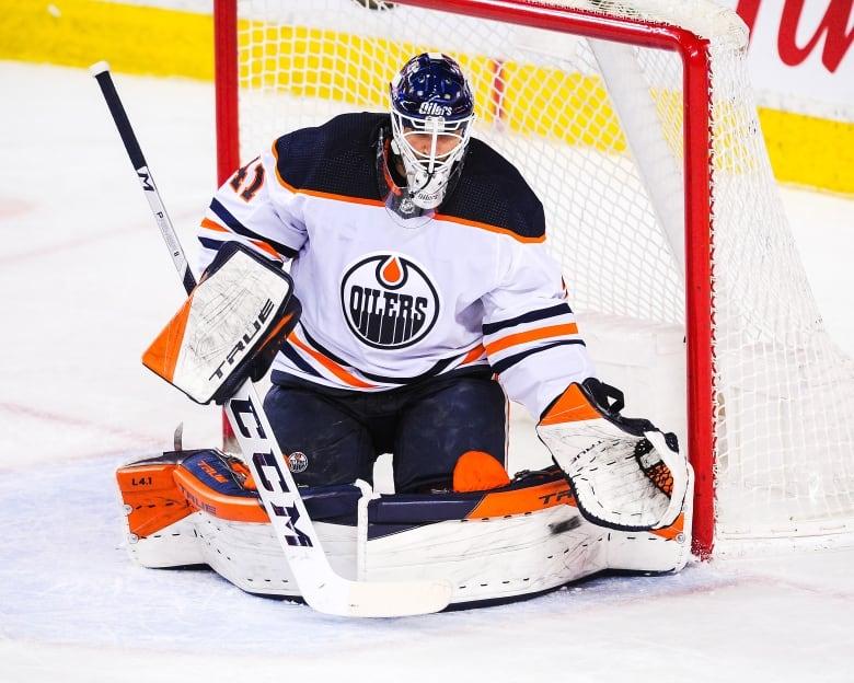 Canucks acquire Oliver Ekman-Larsson, Blackhawks add Seth Jones in Friday frenzy